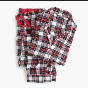 Flannel Pajama Set in White-our Plaid